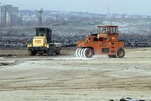 Dolgoznak a munkagépek az ipari park területén